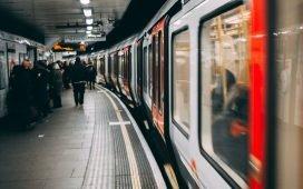 Station Embankment - Histoire de la voix